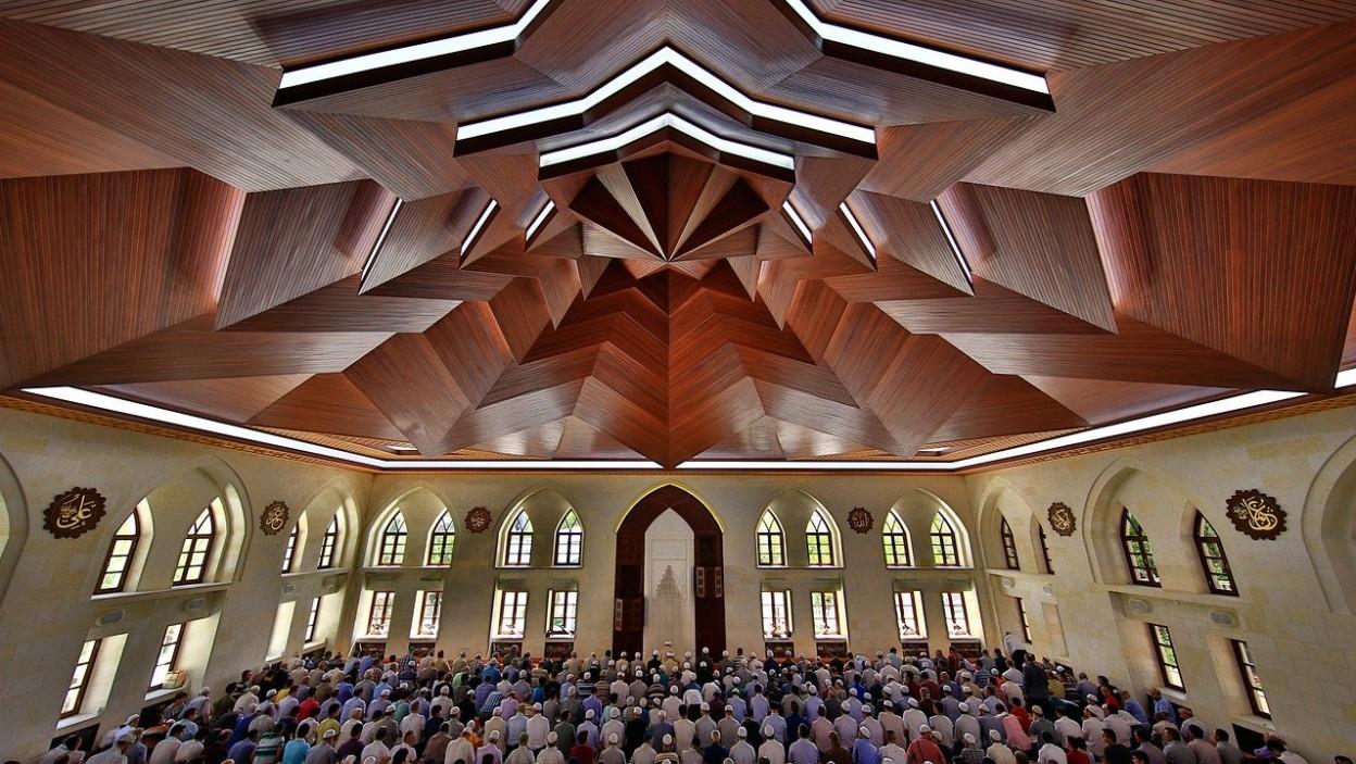 İslamiyette Cuma Namazının Önemi